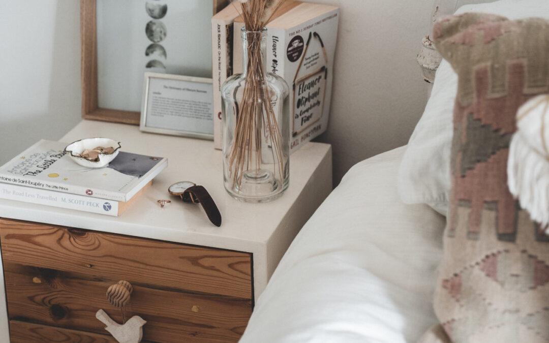 Sypialnia w stylu prowansalskim – co ją wyróżnia i kto powinien urządzić sypialnię na prowansalską modłę?