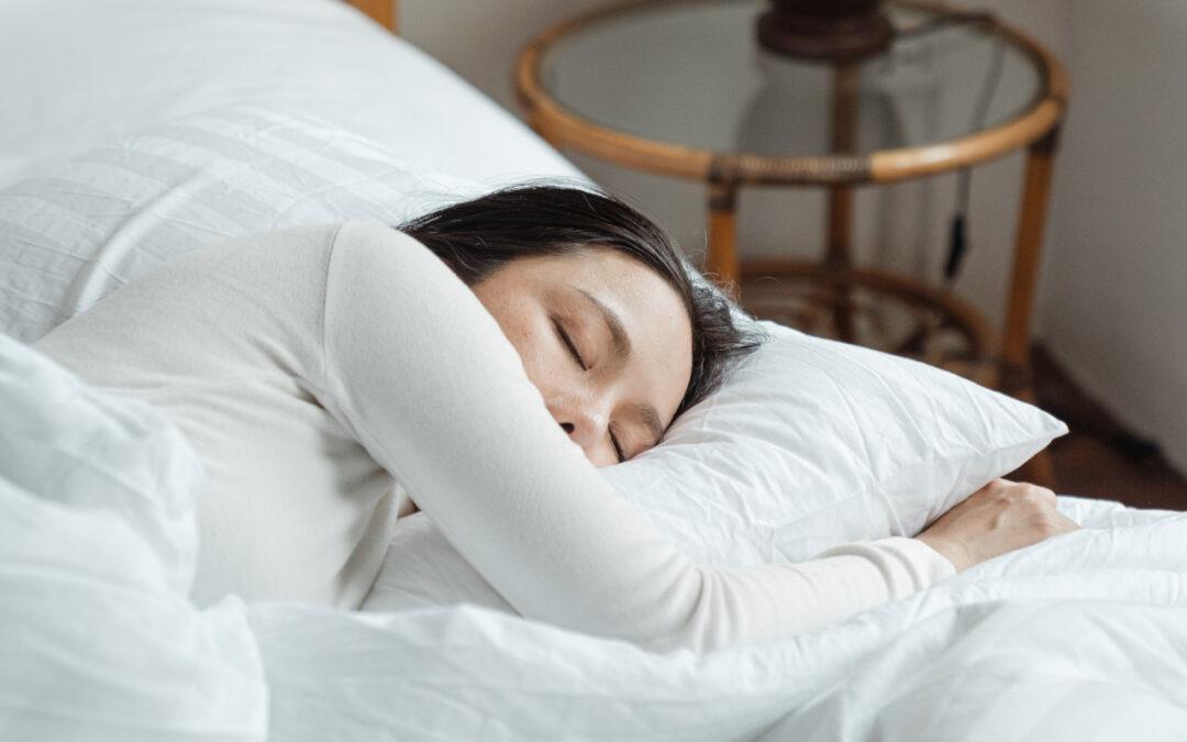 Jak zapewnić sobie zdrowy sen oraz poprawić jego jakość? Najlepsze rady specjalistów na temat snu