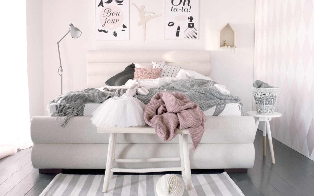 Łóżko tapicerowane – czy jest lepsze od drewnianego? O czym trzeba koniecznie wiedzieć przed zakupem?